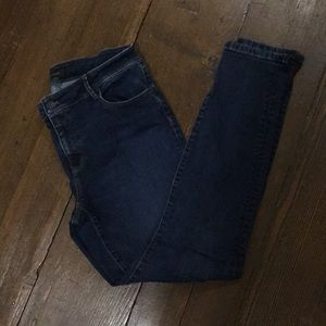Ann Taylor Size 10Tall Curvy Fit Denim